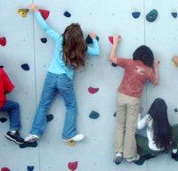 kids-climbing