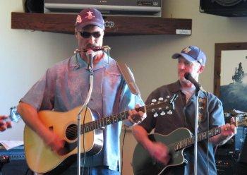 John-Rice-singing-at-Sierra